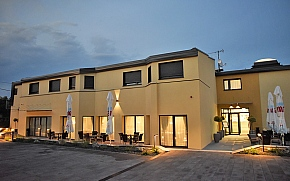 Santiny hotel & restaurant